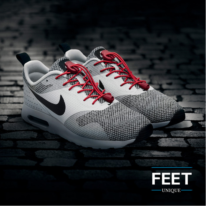 Elastische rode schoenveters met sluitsysteem