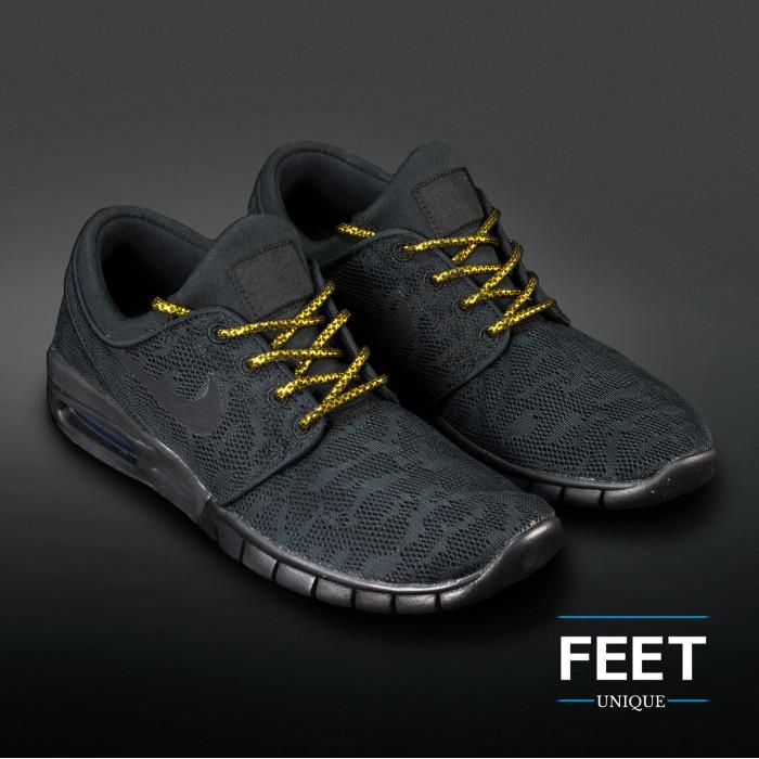 Adidas Yeezy -  Veters Zwart met Goud